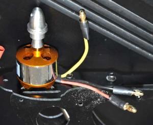 Motor mit Stecker