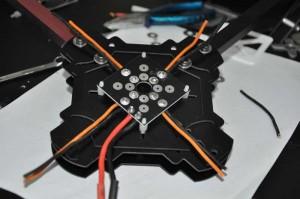 X525 Stromverteilerplatine einbauen