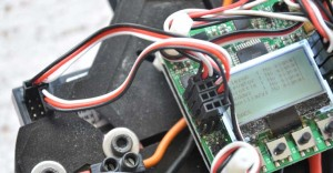 Empfängeranschluss an die KK2.0. Es können auch 4 3-polige Kabel verwendet werden.