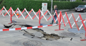 So was passiert wenn Strassen keinen ordentlichen Nunetrabu besitzen nach vielen Jahren.