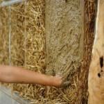Stroh als Baumaterial – der Strohballenbau